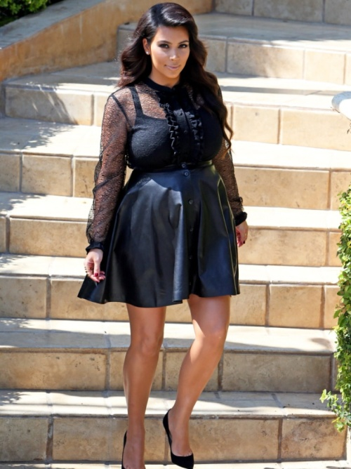 Kim-Kardashian-Does-Jay-Leno-Says-Only-Bullies-Would-Call-a-Pregnant-Woman-Fat-2